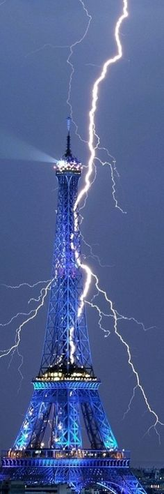 Eiffel Lightning